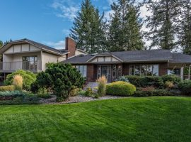 Spectacular Home on 0.79 Acres in Southeast Kelowna